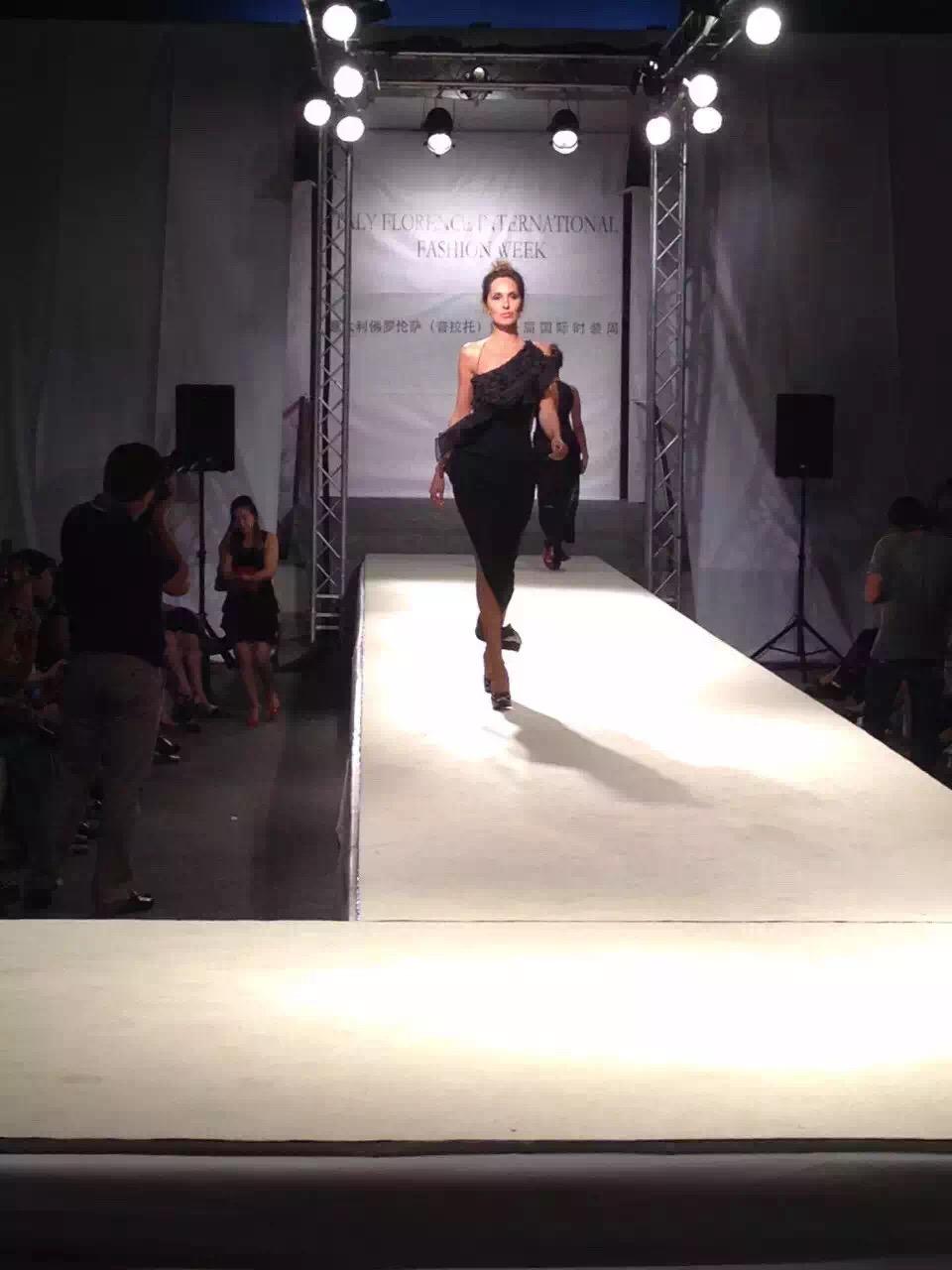"""东方斯卡拉2012_Europe Moda Italy - 中国好衣服点""""靓""""意大利 Prato国际时装周开幕"""